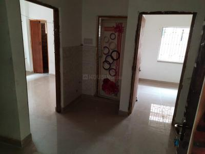 Gallery Cover Image of 632 Sq.ft 2 BHK Apartment for buy in Rahara for 1580000