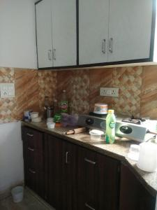 Gallery Cover Image of 344 Sq.ft 2 BHK Independent Floor for rent in Sector 7 Rohini for 16000