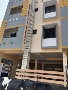Gallery Cover Image of 690 Sq.ft 1 BHK Independent Floor for buy in Kattupakkam for 4485000