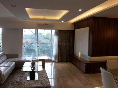 Gallery Cover Image of 2020 Sq.ft 3 BHK Apartment for rent in Pimple Saudagar for 50000