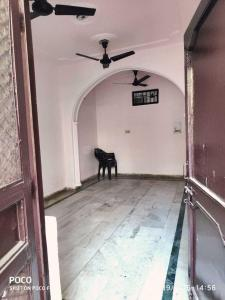 Gallery Cover Image of 800 Sq.ft 2 BHK Independent Floor for rent in Sector 8 Rohini for 17500