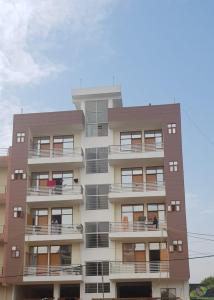 Gallery Cover Image of 1152 Sq.ft 3 BHK Independent Floor for buy in Bharthal for 6500000