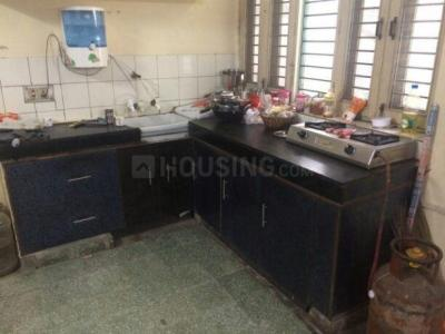 Kitchen Image of Shares House in Pandav Nagar