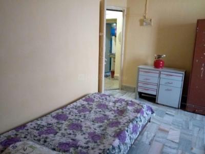 वसई वेस्ट में वेलकम होम पीजी के बेडरूम की तस्वीर