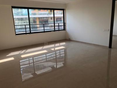 Gallery Cover Image of 1600 Sq.ft 3 BHK Apartment for rent in Santacruz West for 150000