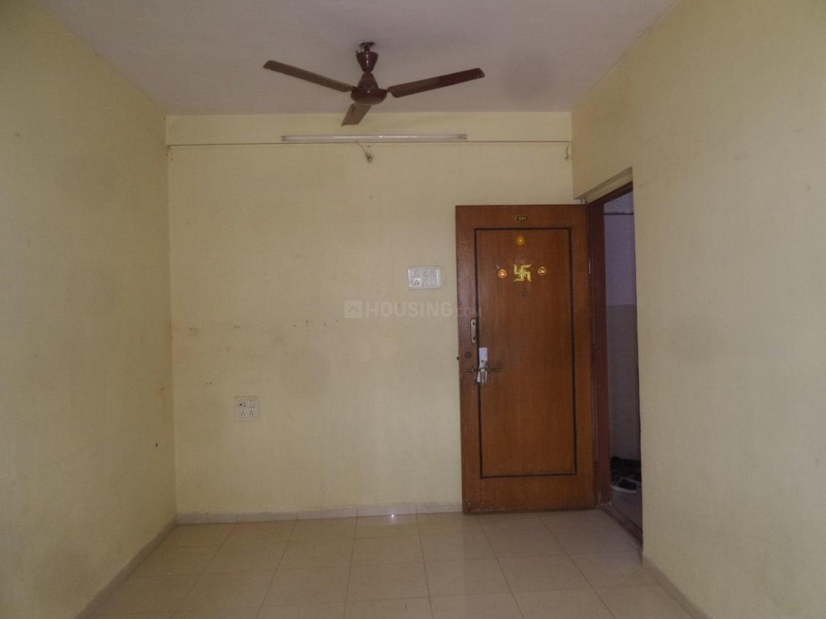 Bedroom Image of 365 Sq.ft 1 RK Apartment for rent in Kandivali West for 14000