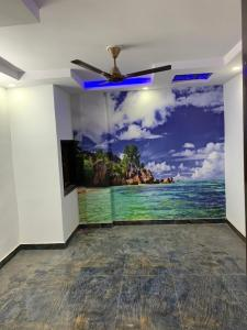 Gallery Cover Image of 910 Sq.ft 3 BHK Independent Floor for rent in Dwarka Mor for 14000