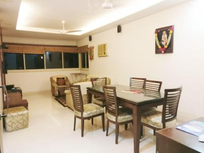 Gallery Cover Image of 1100 Sq.ft 2 BHK Apartment for rent in Khar West for 85000