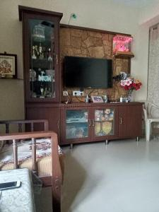 Gallery Cover Image of 1125 Sq.ft 2 BHK Apartment for rent in Balanagar for 20000