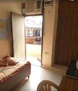 Bedroom Image of Thakur Hostel in Ranjeet Nagar