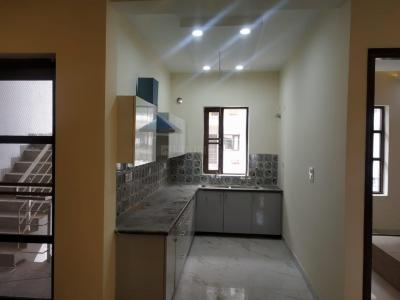 Gallery Cover Image of 1100 Sq.ft 3 BHK Independent Floor for buy in Dhakoli for 3300000