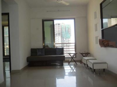 Gallery Cover Image of 750 Sq.ft 2 BHK Apartment for rent in Borivali East for 35000