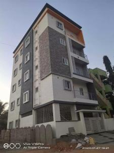 Gallery Cover Image of 6000 Sq.ft 1 BHK Independent House for buy in Whitefield for 18000000