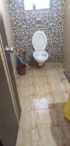 आस्था हॉस्पिटैलिटी सेरविसेस इन बोरीवली ईस्ट के बाथरूम की तस्वीर