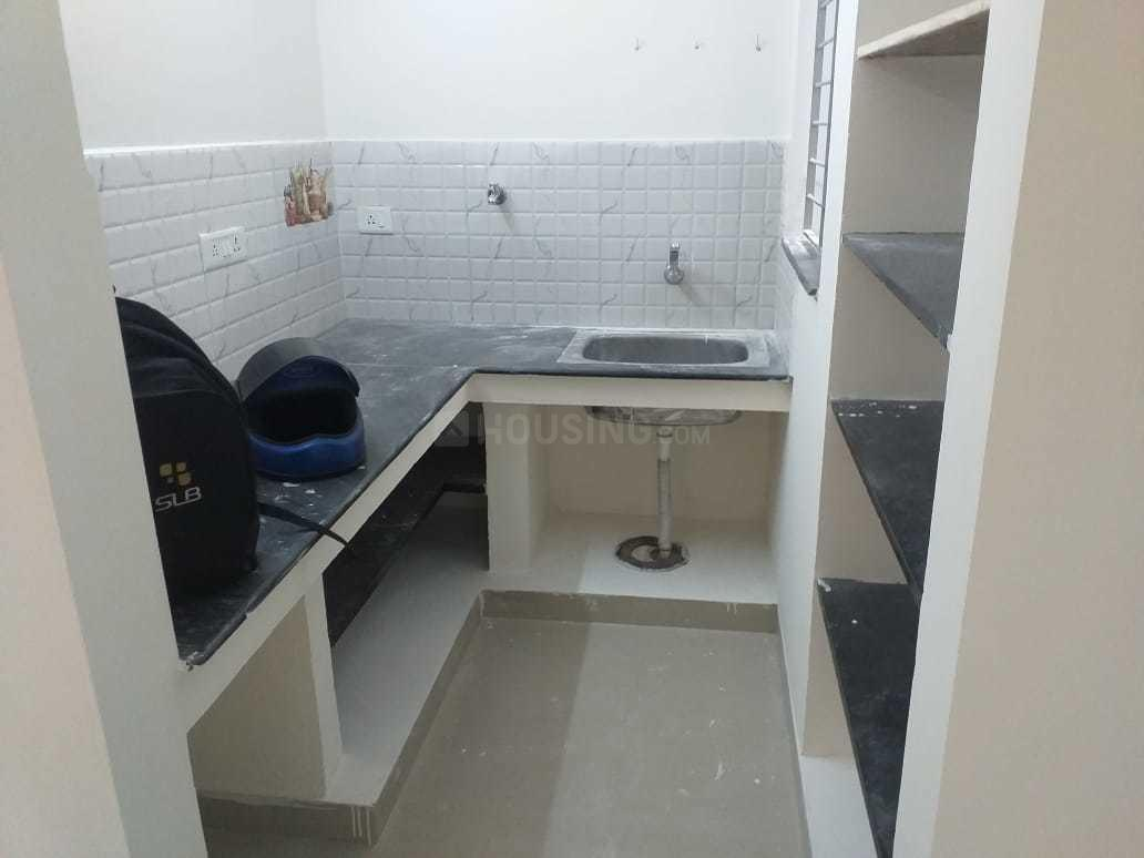 Kitchen Image of 550 Sq.ft 1 BHK Apartment for rent in Nemilicheri for 5000
