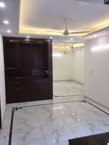 Gallery Cover Image of 1250 Sq.ft 4 BHK Independent Floor for rent in Umang Realtech Winter Hills, Sewak Park for 14000