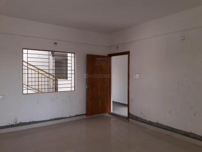 Gallery Cover Image of 1500 Sq.ft 3 BHK Apartment for rent in Baldota Elegant, Mallathahalli for 25000