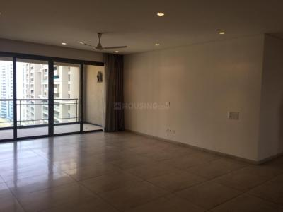 Gallery Cover Image of 3333 Sq.ft 4 BHK Apartment for rent in Magarpatta City for 140000