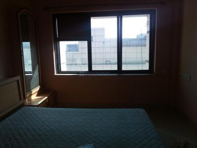 Gallery Cover Image of 250 Sq.ft 1 RK Apartment for rent in Malad West for 16000