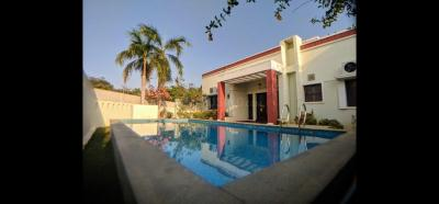 Gallery Cover Image of 3300 Sq.ft 3 BHK Independent House for rent in Injambakkam for 100000