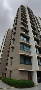 Gallery Cover Image of 1180 Sq.ft 2 BHK Apartment for buy in Kalpataru Yashodhan, Vile Parle West for 32500000