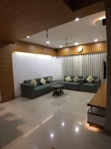 Gallery Cover Image of 1260 Sq.ft 3 BHK Independent House for buy in Sola Village for 18000000