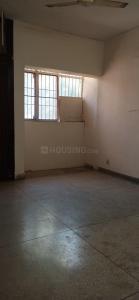Gallery Cover Image of 1100 Sq.ft 2 BHK Apartment for rent in DDA Mig Flats Sarita Vihar, Sarita Vihar for 21000