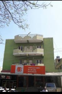 Gallery Cover Image of 1250 Sq.ft 1 RK Independent Floor for rent in Virugambakkam for 210000