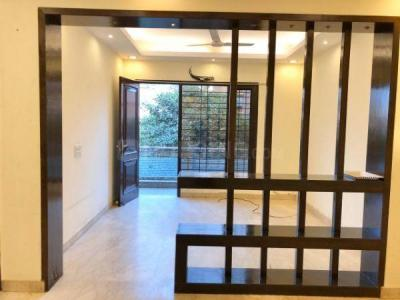 Gallery Cover Image of 3000 Sq.ft 4 BHK Independent Floor for rent in Sarva Priya Apartments, Hauz Khas for 125000