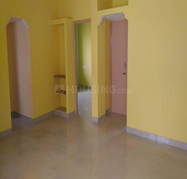 Living Room Image of 1050 Sq.ft 2 BHK Apartment for rent in Selaiyur for 10000