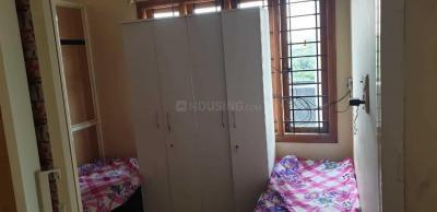 श्री लक्ष्मी वेंकटेशवरा पीजी इन एचएसआर लेआउट के बेडरूम की तस्वीर