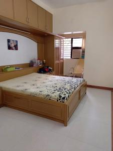 Gallery Cover Image of 1863 Sq.ft 4 BHK Apartment for buy in Gulbai Tekra for 26700000