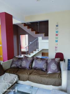 Gallery Cover Image of 1600 Sq.ft 3 BHK Apartment for rent in Vibhutipura for 30000