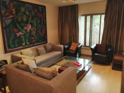 Gallery Cover Image of 1200 Sq.ft 2 BHK Apartment for rent in Juhu for 175000