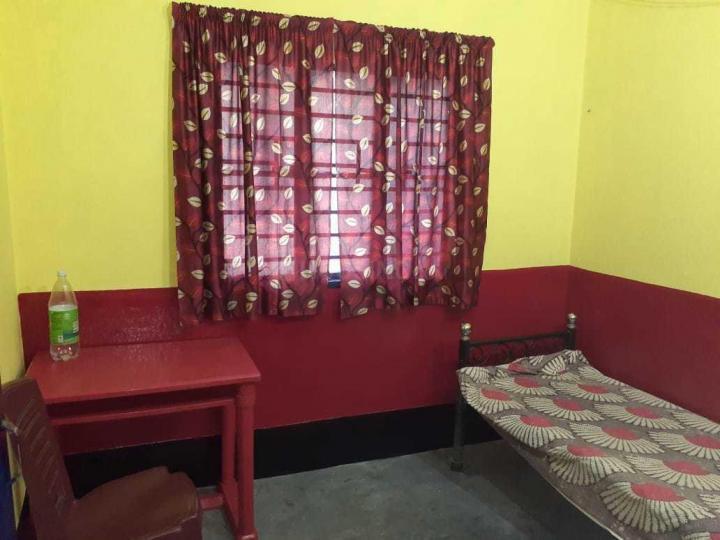 Bedroom Image of Dipali PG in Kaikhali
