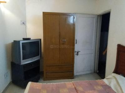 Gallery Cover Image of 750 Sq.ft 1 RK Apartment for rent in Sector 37 for 10000