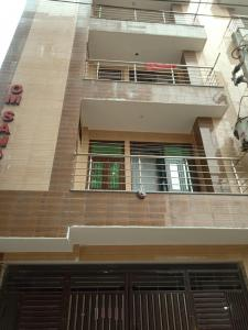 Gallery Cover Image of 850 Sq.ft 3 BHK Independent Floor for buy in Bharat Vihar for 3875000