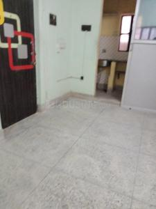 Gallery Cover Image of 600 Sq.ft 2 BHK Apartment for rent in Joy 82 Lake Gardens, Lake Gardens for 10000