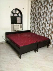 Gallery Cover Image of 800 Sq.ft 1 BHK Independent House for rent in Noida Authority LIG Flats, Sector 99 for 10000