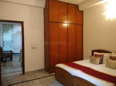 Gallery Cover Image of 4400 Sq.ft 5 BHK Apartment for rent in Mahagun Moderne, Sector 78 for 50000