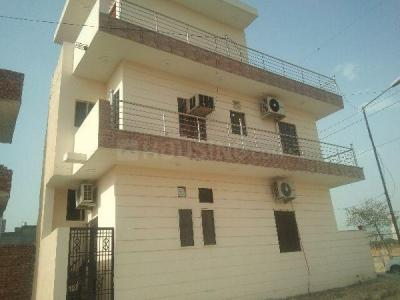 Gallery Cover Image of 600 Sq.ft 2 BHK Independent House for rent in Sector 75 for 8000