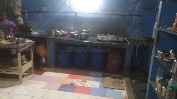 वादपलानी में देवान आची वूमेन्स होस्टल के किचन की तस्वीर