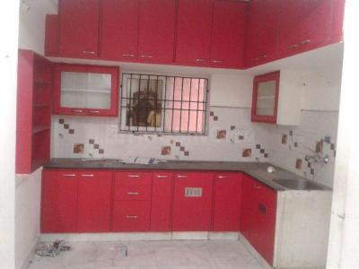 Gallery Cover Image of 1100 Sq.ft 2 BHK Apartment for rent in Aminjikarai for 25000