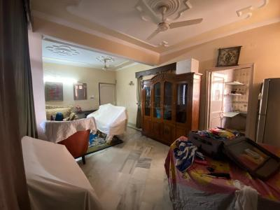Gallery Cover Image of 1900 Sq.ft 3 BHK Apartment for buy in Brindawan Garden CGHS, Sector 12 Dwarka for 17400000