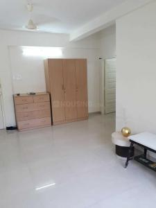 Gallery Cover Image of 1201 Sq.ft 2 BHK Apartment for rent in Juhu for 120000