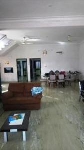 Gallery Cover Image of 3500 Sq.ft 4 BHK Independent House for buy in Hiran Magri for 19000000