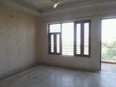 Gallery Cover Image of 1100 Sq.ft 2 BHK Independent Floor for rent in Sector 57 for 19000