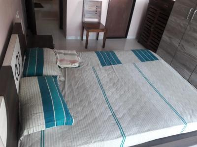 Gallery Cover Image of 1200 Sq.ft 2 BHK Apartment for rent in Malad West for 50000