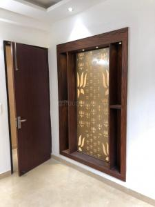 Gallery Cover Image of 1200 Sq.ft 3 BHK Apartment for buy in Gyan Khand for 5100000