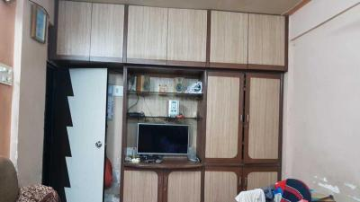 Gallery Cover Image of 750 Sq.ft 1 BHK Apartment for buy in Ghatkopar East for 13500000